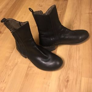 Gee' WaWa Black Leather Ankle Boots-size 7